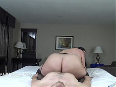 Jessica Lust grinds down on his big cock