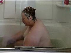 Krissy K. rubs one off in the bath tub again
